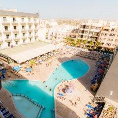 Topaz Hotel балкон