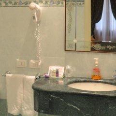 Hotel San Luca Venezia 3* Стандартный номер с различными типами кроватей фото 26