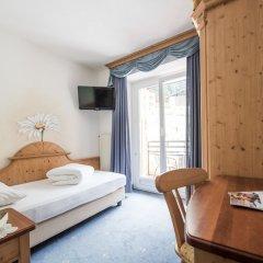 Hotel Burgaunerhof Монклассико сейф в номере