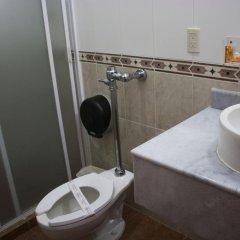Отель Aquiles Мексика, Гвадалахара - отзывы, цены и фото номеров - забронировать отель Aquiles онлайн ванная