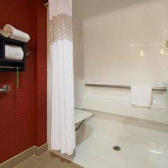 Отель Hampton Inn Columbus-International Airport ванная фото 2