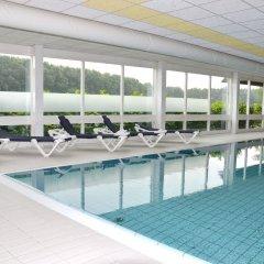 Отель Fletcher Hotel - Resort Spaarnwoude Нидерланды, Велсен-Зюйд - отзывы, цены и фото номеров - забронировать отель Fletcher Hotel - Resort Spaarnwoude онлайн бассейн