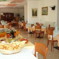 Отель Marylise Италия, Римини - 1 отзыв об отеле, цены и фото номеров - забронировать отель Marylise онлайн питание