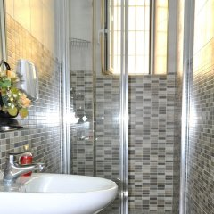 Отель Friend House ванная
