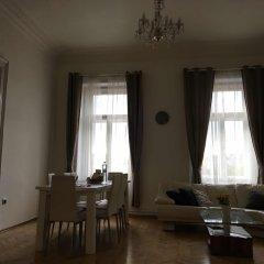 Апартаменты Resslova Apartment комната для гостей