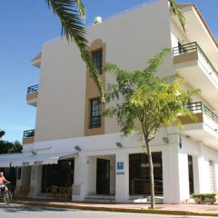 Hotel Los Rosales вид на фасад