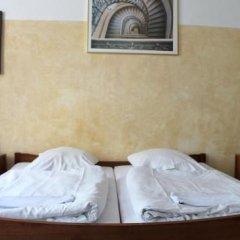 Die Fabrik - baxpax Hotel сейф в номере
