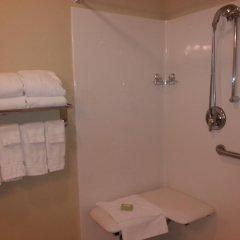Отель Cobblestone Inn & Suites - Bloomfield ванная