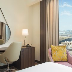 Отель Hampton by Hilton Dubai Airport удобства в номере фото 2