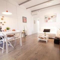 Апартаменты Apartments Gaudi Barcelona в номере