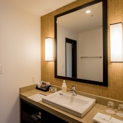 Hotel Monterey Okinawa Spa & Resort Центр Окинавы ванная