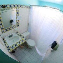 Отель Tres Mundos Hostel Мексика, Плая-дель-Кармен - отзывы, цены и фото номеров - забронировать отель Tres Mundos Hostel онлайн ванная фото 2