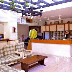 Lefka Hotel, Apartments & Studios интерьер отеля