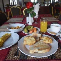 WEStay at the Grand Nyaung Shwe Hotel питание фото 3