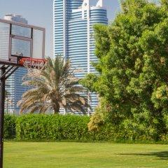 Отель Holiday International Sharjah ОАЭ, Шарджа - 5 отзывов об отеле, цены и фото номеров - забронировать отель Holiday International Sharjah онлайн спортивное сооружение