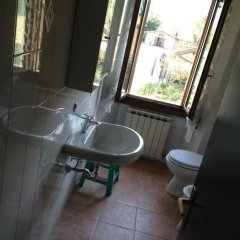 Отель Agriturismo Licensi Del Bresa Италия, Монцамбано - отзывы, цены и фото номеров - забронировать отель Agriturismo Licensi Del Bresa онлайн ванная