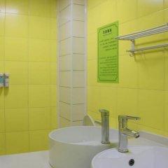 Отель Alley Youth Hostel Китай, Сиань - отзывы, цены и фото номеров - забронировать отель Alley Youth Hostel онлайн ванная