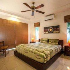 Отель Nok Sawan Villa by Jetta сейф в номере