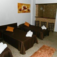 Отель Apartamentos Mestret Испания, Сан-Антони-де-Портмань - отзывы, цены и фото номеров - забронировать отель Apartamentos Mestret онлайн комната для гостей фото 2