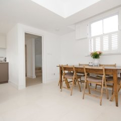 Отель 2 Bedroom Flat Near Hampstead Heath в номере