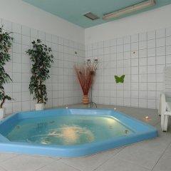 Hunguest Hotel Millennium бассейн