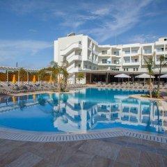 Отель Smartline Paphos бассейн фото 3