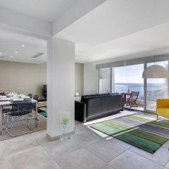 Отель Marvellous Seafront Apartment in the Best Location Мальта, Слима - отзывы, цены и фото номеров - забронировать отель Marvellous Seafront Apartment in the Best Location онлайн комната для гостей фото 2