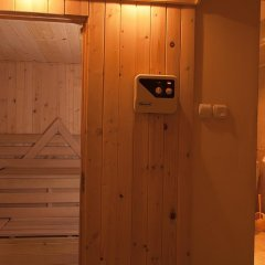Отель Neon Guest Rooms Шумен сауна
