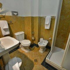 Отель Charles Bridge Palace Прага ванная фото 2