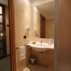 Отель MH Hotel Piacenza Fiera Италия, Пьяченца - отзывы, цены и фото номеров - забронировать отель MH Hotel Piacenza Fiera онлайн ванная