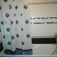 Гостиница Holiday Home On Kuybysheva ванная