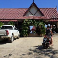 Отель Baan Kantiang See Panorama Villa Resort Ланта парковка