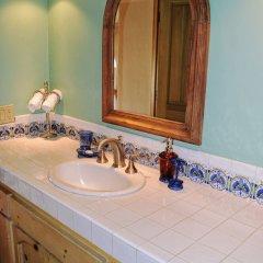 Отель Casa Lorena 4 Bedrooms 3.5 Bathrooms Home Педрегал ванная фото 2