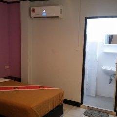 Отель BarFly Pattaya сейф в номере