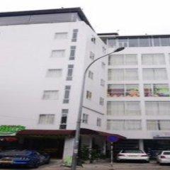 Отель Thilhara Days Inn парковка