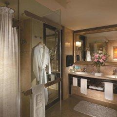 Отель Shangri-La Hotel Kuala Lumpur Малайзия, Куала-Лумпур - 1 отзыв об отеле, цены и фото номеров - забронировать отель Shangri-La Hotel Kuala Lumpur онлайн ванная фото 2