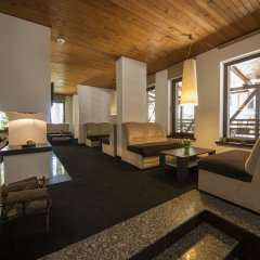 Апартаменты Green Life Family Apartments Pamporovo комната для гостей
