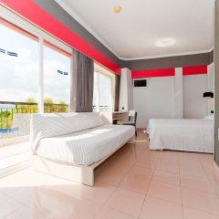 Отель The Red by Ibiza Feeling комната для гостей