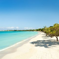 Отель Couples Negril All Inclusive пляж