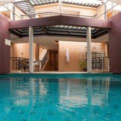 Hotel on Hilltop бассейн