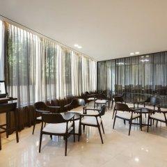 Отель Orakai Insadong Suites Южная Корея, Сеул - отзывы, цены и фото номеров - забронировать отель Orakai Insadong Suites онлайн гостиничный бар