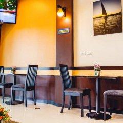 Отель Chalong Boutique Inn Таиланд, Бухта Чалонг - отзывы, цены и фото номеров - забронировать отель Chalong Boutique Inn онлайн питание