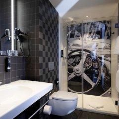 Отель V8 Hotel Koln @MOTORWORLD, an Ascend Hotel Collection Member Германия, Кёльн - отзывы, цены и фото номеров - забронировать отель V8 Hotel Koln @MOTORWORLD, an Ascend Hotel Collection Member онлайн ванная