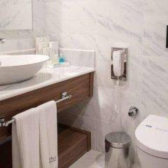 Отель Nirvana Lagoon Villas Suites & Spa сейф в номере