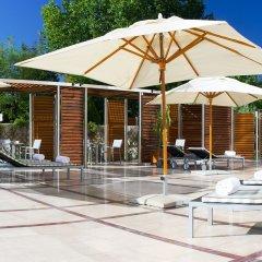 Отель Hilton Sofia бассейн