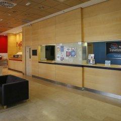 Отель Travelodge Madrid Torrelaguna интерьер отеля фото 3