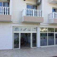 Holiday Apart Турция, Алтинкум - отзывы, цены и фото номеров - забронировать отель Holiday Apart онлайн парковка