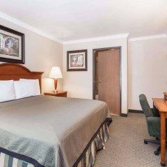 Отель Travelodge by Wyndham Sylmar CA США, Лос-Анджелес - отзывы, цены и фото номеров - забронировать отель Travelodge by Wyndham Sylmar CA онлайн комната для гостей фото 5