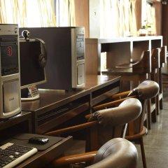 Отель Pannee Lodge Таиланд, Бангкок - отзывы, цены и фото номеров - забронировать отель Pannee Lodge онлайн интерьер отеля фото 2