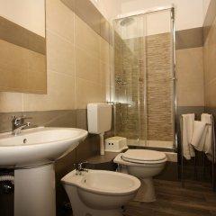 Отель Mi.Ro Rooms Италия, Рим - отзывы, цены и фото номеров - забронировать отель Mi.Ro Rooms онлайн ванная